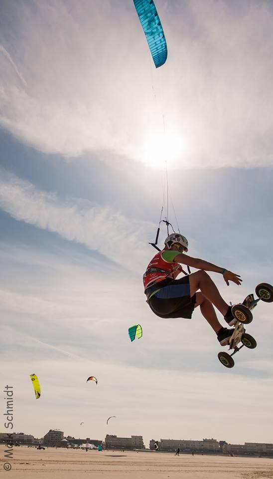 Pascal Schmidt Kitelandboarding mit Sprung